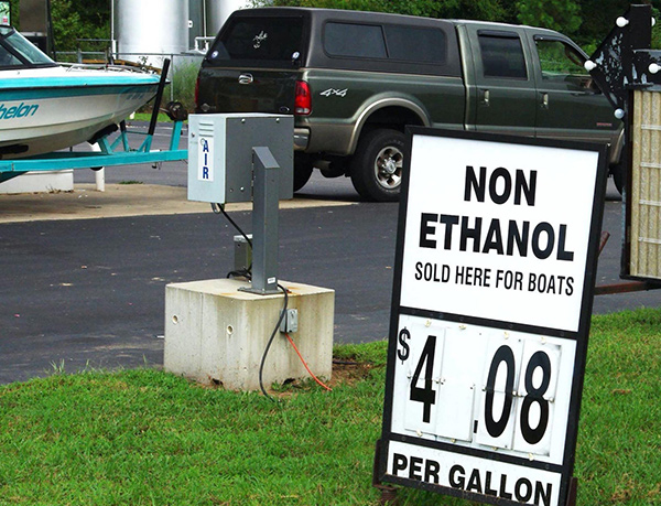 Ethanol Issues Keep Outboard Boat Mechanics Busy